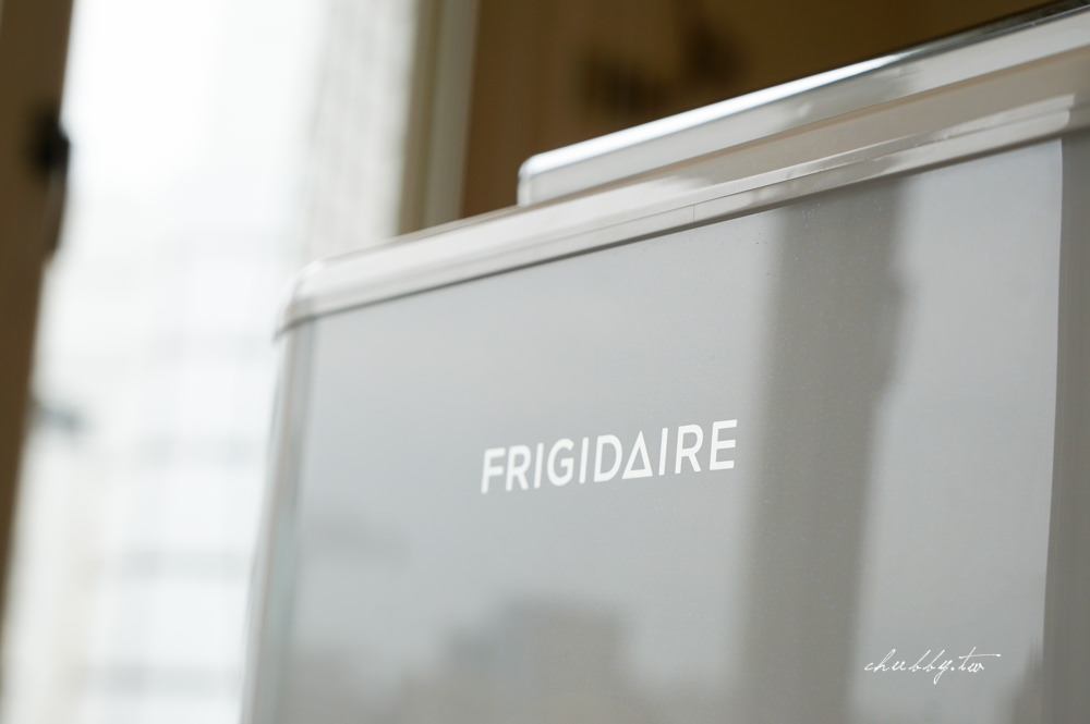 空氣清淨機選購指南│Frigidaire 8-17坪 智慧型空氣清淨機 CADR500 FAP-2502MI開箱實測