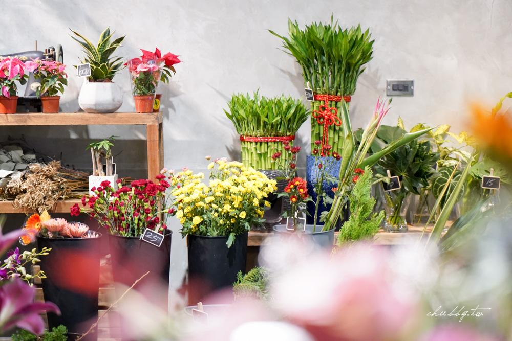 花店裡的麵線店:新莊宏泰市場旁知名麵線店和花店結合!每日專送嘉義東石鮮蚵,聞著花香吃滷超透的大腸!