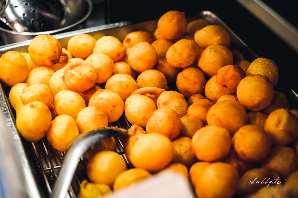 新莊中平路地瓜球白糖粿,只開半年的地瓜球,竟然有正宗超拔絲白糖粿!