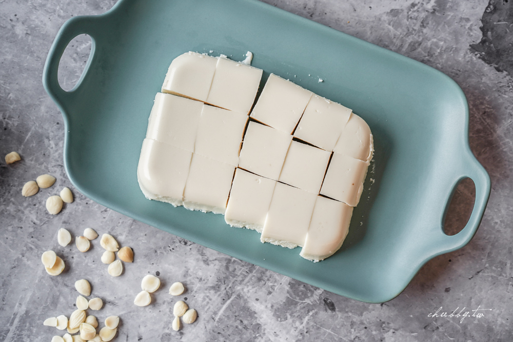 不用過濾的杏仁豆腐輕鬆做!懶人適合的超簡單杏仁豆腐,綿密細緻又養顏美容!