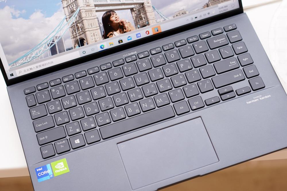 輕盈、簡單、省電,我想要的只是這樣一台筆電 ASUS ZenBook 14 UltralightUX435EGL開箱分享