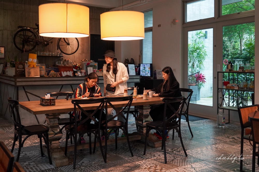 日月潭民宿推薦│LOOK 路殼民宿,適合包棟、英倫美式工業風格、溫柔又粗曠的藝術質感創意家居宅