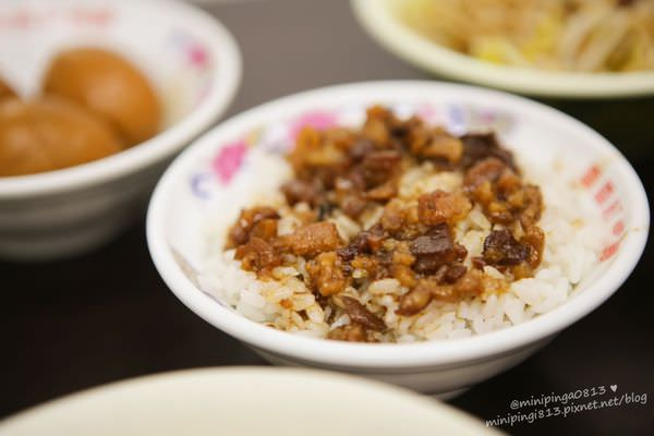 【新北三重小吃】三重現做赤肉羹-滷肉飯好吃的秘訣大公開!適合上班族的銅板小吃